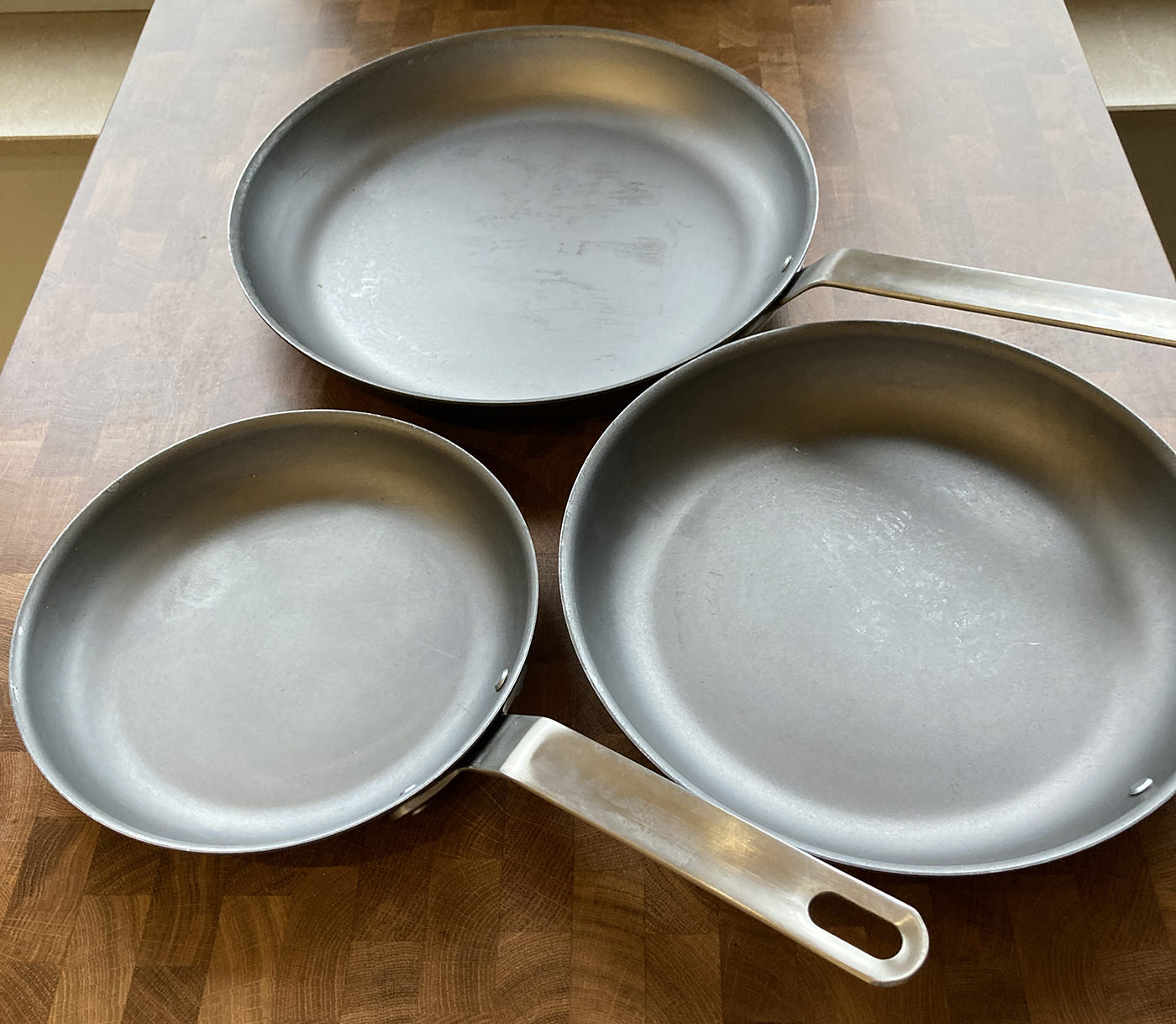 The Misen Carbon Steel Pan Unboxed